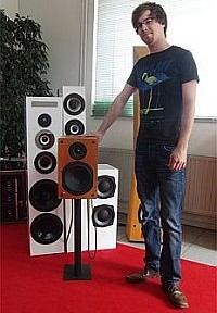 Roman Grewenig mit seinem Monitor 1